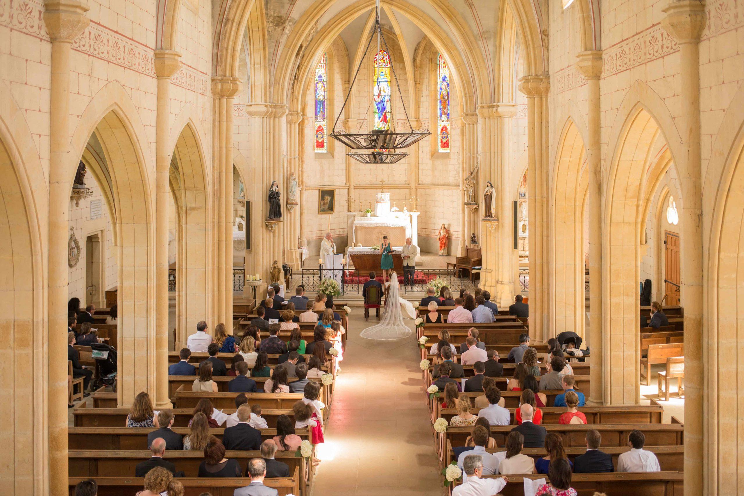 Plan large cérémonie religieuse mariage