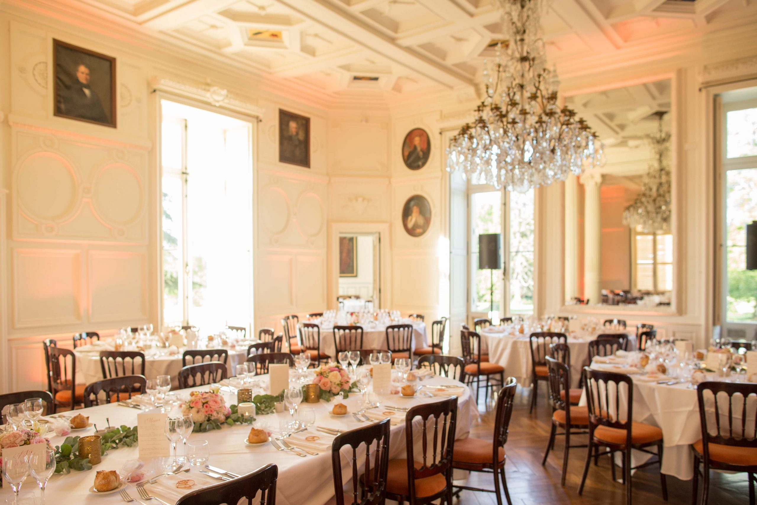 Salle de dîner château d'Azy