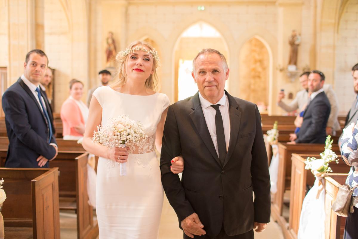 entrée de la mariée et de son père dans l'église saint sulpice