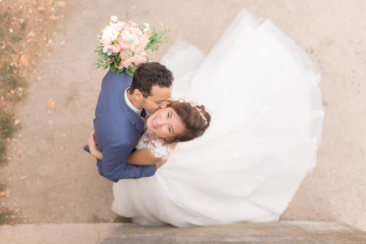 photo des mariés prise de haut