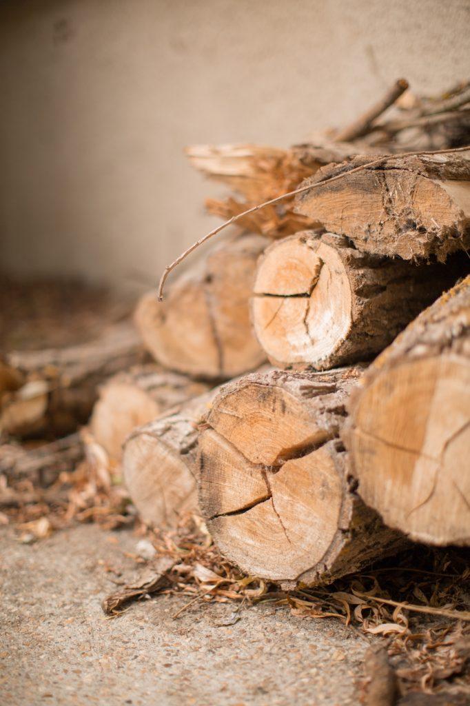 buches rondins bois texture mariage rustique nature bohème