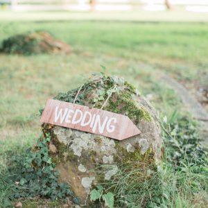 décoration de mariage élégante et épurée dans l'esprit fine art